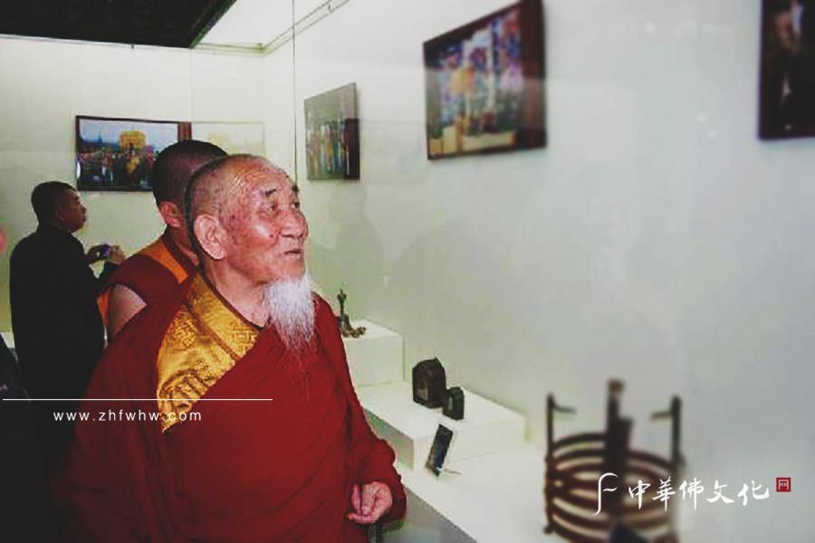 嘉木樣圖布丹歷20年主持修繕家鄉的沙日特莫圖廟_副本.jpg