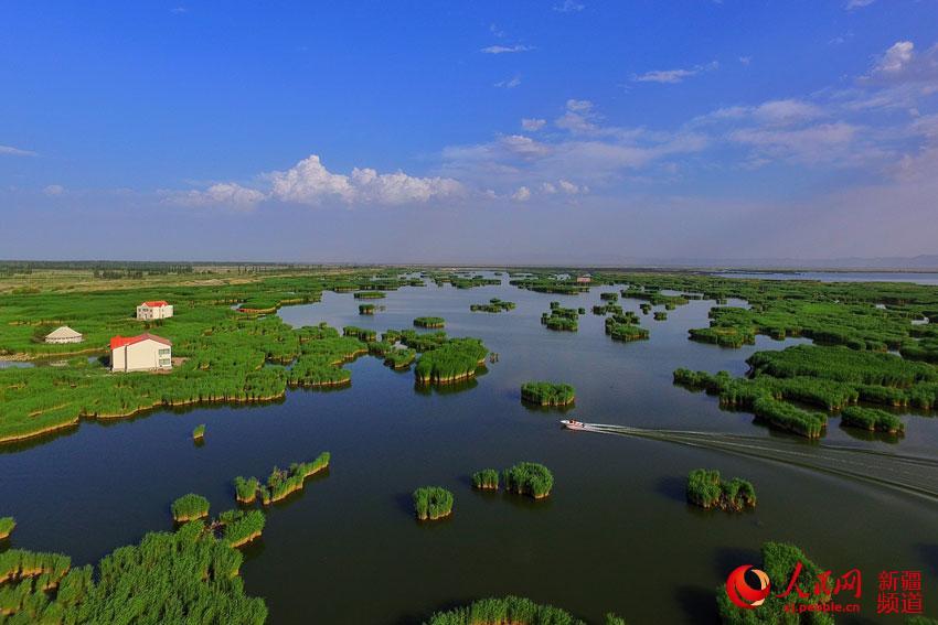 新疆相思湖畔风光美(组图)