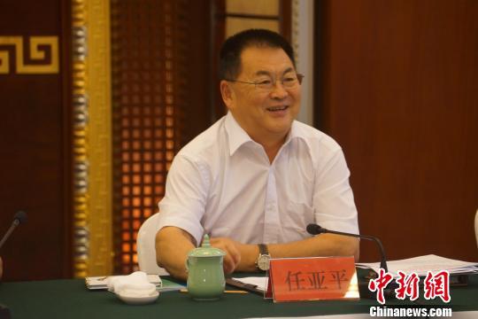 全国政协海外列席侨胞考察团为内蒙古建言