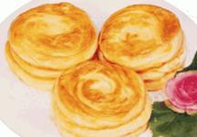 蒙古草原特色美食—刀切酥